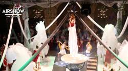 airshow;espectáculos;eventos;acróbatas;musicales;bailarines;telas aereas;aro aereo;mano mano;equilibrios;impacto visual;circo;producciones+espectaculos;cantante;vocalista;espectaculos+valencia+madrid+españa 10