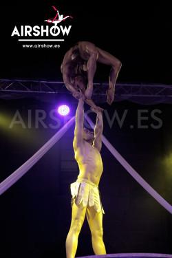 airshow;espectáculos;eventos;acróbatas;musicales;bailarines;telas aereas;aro aereo;mano mano;equilibrios;impacto visual;circo;producciones+espectaculos;cantante;vocalista;espectaculos+valencia+madrid+españa 16