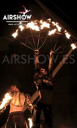 airshow;espectáculos;eventos;acróbatas;musicales;bailarines;telas aereas;aro aereo;mano mano;equilibrios;impacto visual;circo;producciones+espectaculos;cantante;vocalista;espectaculos+valencia+madrid+españa 9